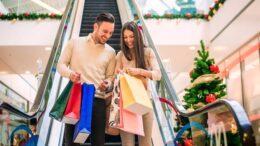 Consumidor brasileiro pretende gastar de R$ 300 a R$ 1 mil neste Natal, afirma GfK