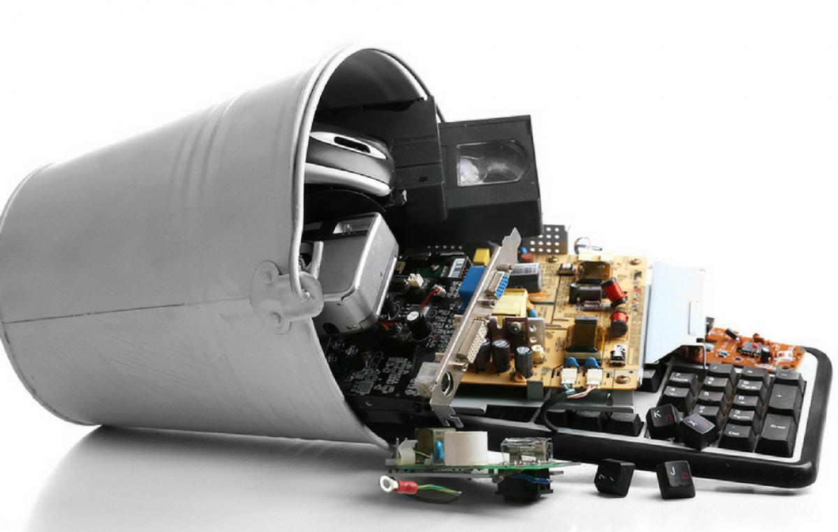 GREEN ELETRON  Electronics reverse logistics evolution in Brazil