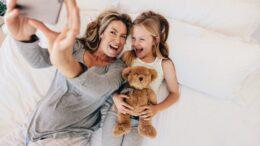 Smartphones: Sales shine again!