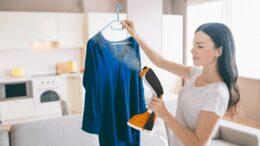 Mallory lança vaporizador que higieniza e desamassa roupas sem tirar do cabide