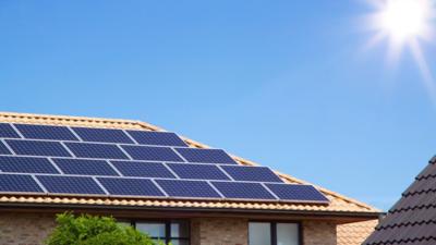 Energia solar é alternativa à crise hídrica e aumentos na conta de luz