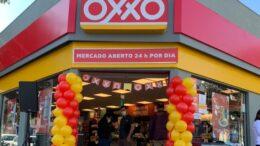 Rede de mercado Oxxo abre primeiras unidades na cidade de São Paulo
