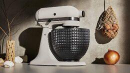 Batedeira Artisan Light & Shadow é a nova edição limitada 2021 da Kitchenaid